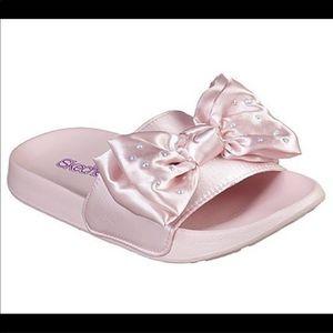 Skechers Slide-satin shimmy